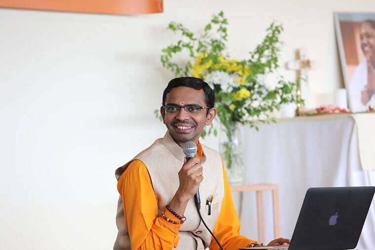 Br. Shubamrita is a disciple of Amma.